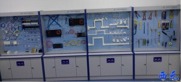 综合布线器材展示柜vspace=2